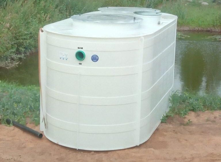 Bioloģiskās attīrīšanas iekārtas ATO-40 montāža.'